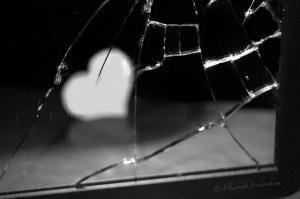 broken_mirror_heart